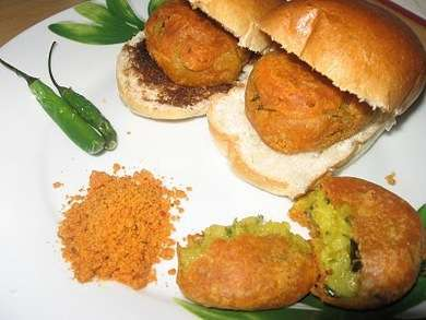 Best places for Vada Pav in Pune