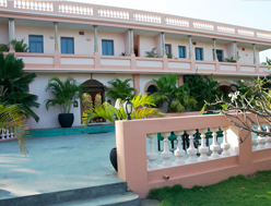 Hotel Kailash Beach Resort